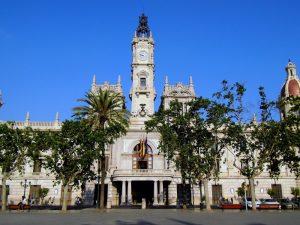 La Asociación Amics del Carmen denunciarán al Ayuntamiento de Valencia si no regulan las viviendas turísticas ilegales